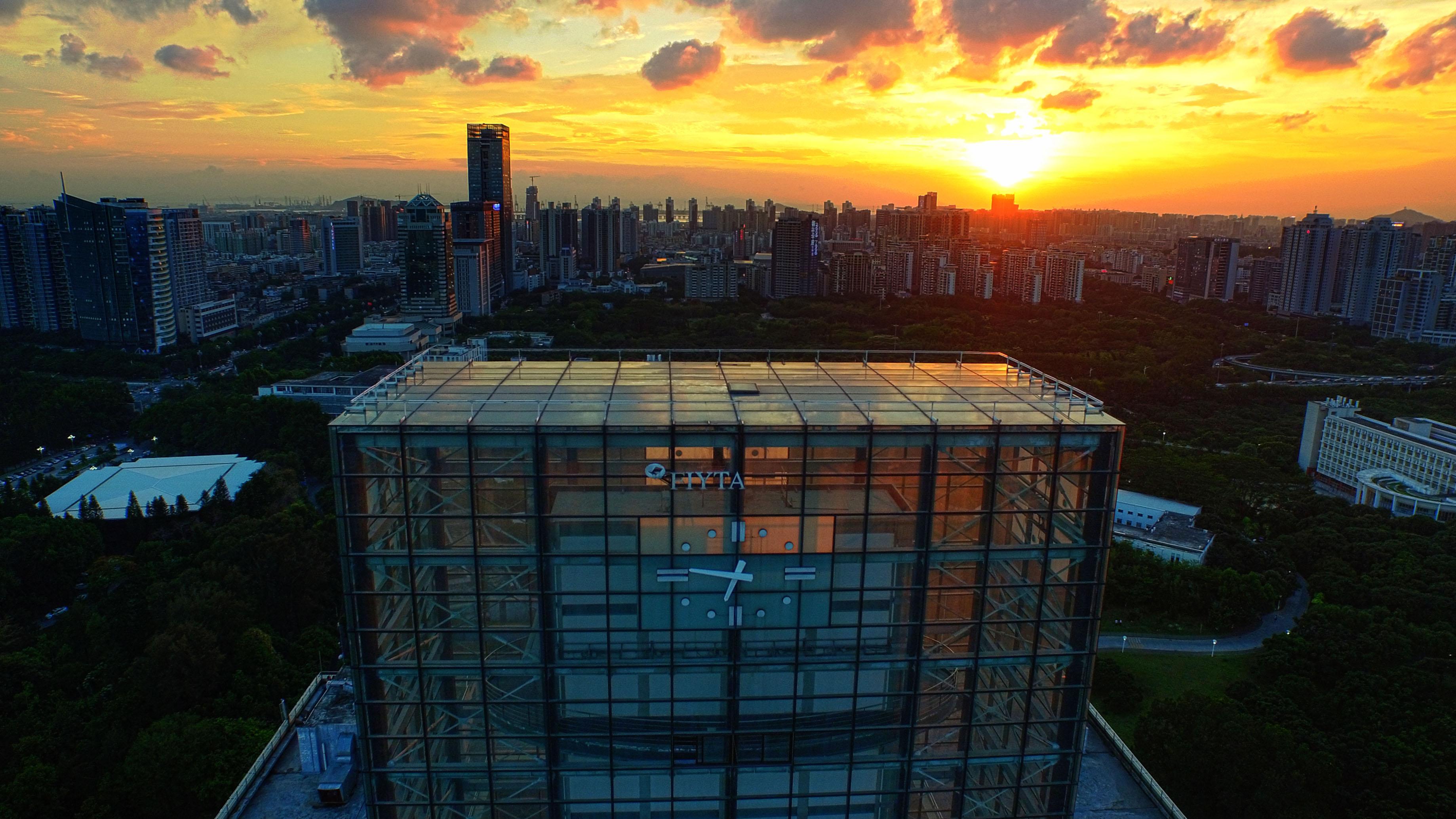 钟楼侧面航拍_HDR4.jpg