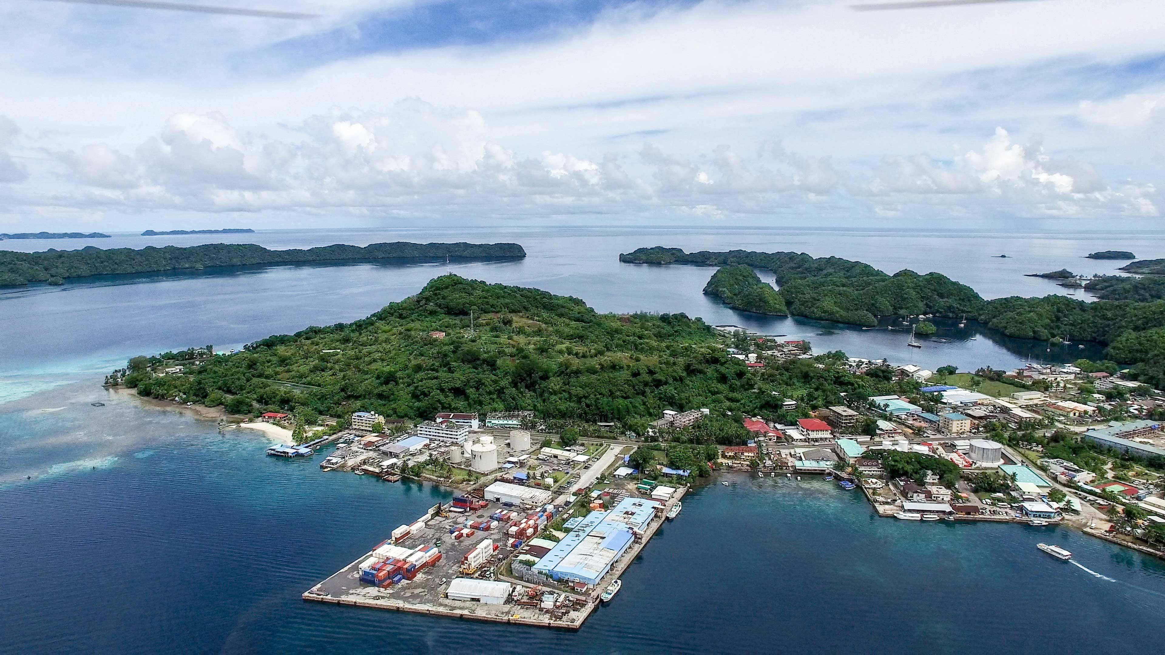 太平洋小岛国帕劳航拍视频(视频已经上传)