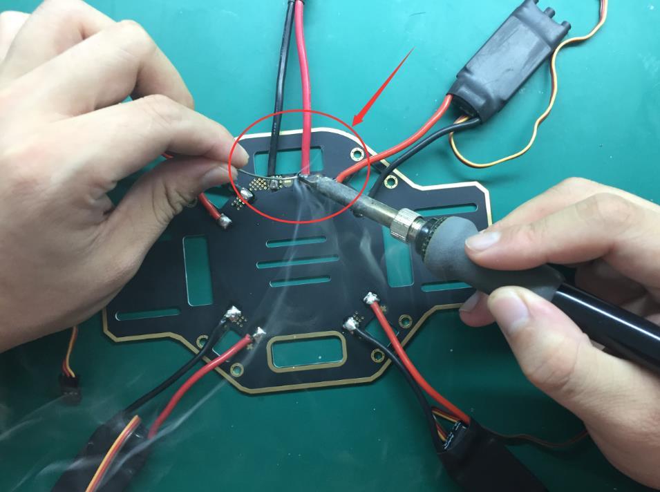 11-动力电接口焊接.jpg
