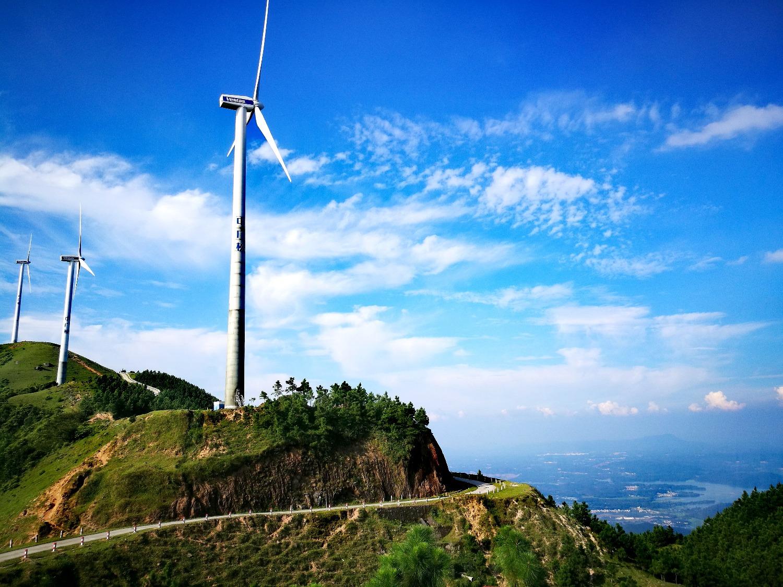 广东云浮的无人风车山航拍,测试mavic抗风,出现了点小