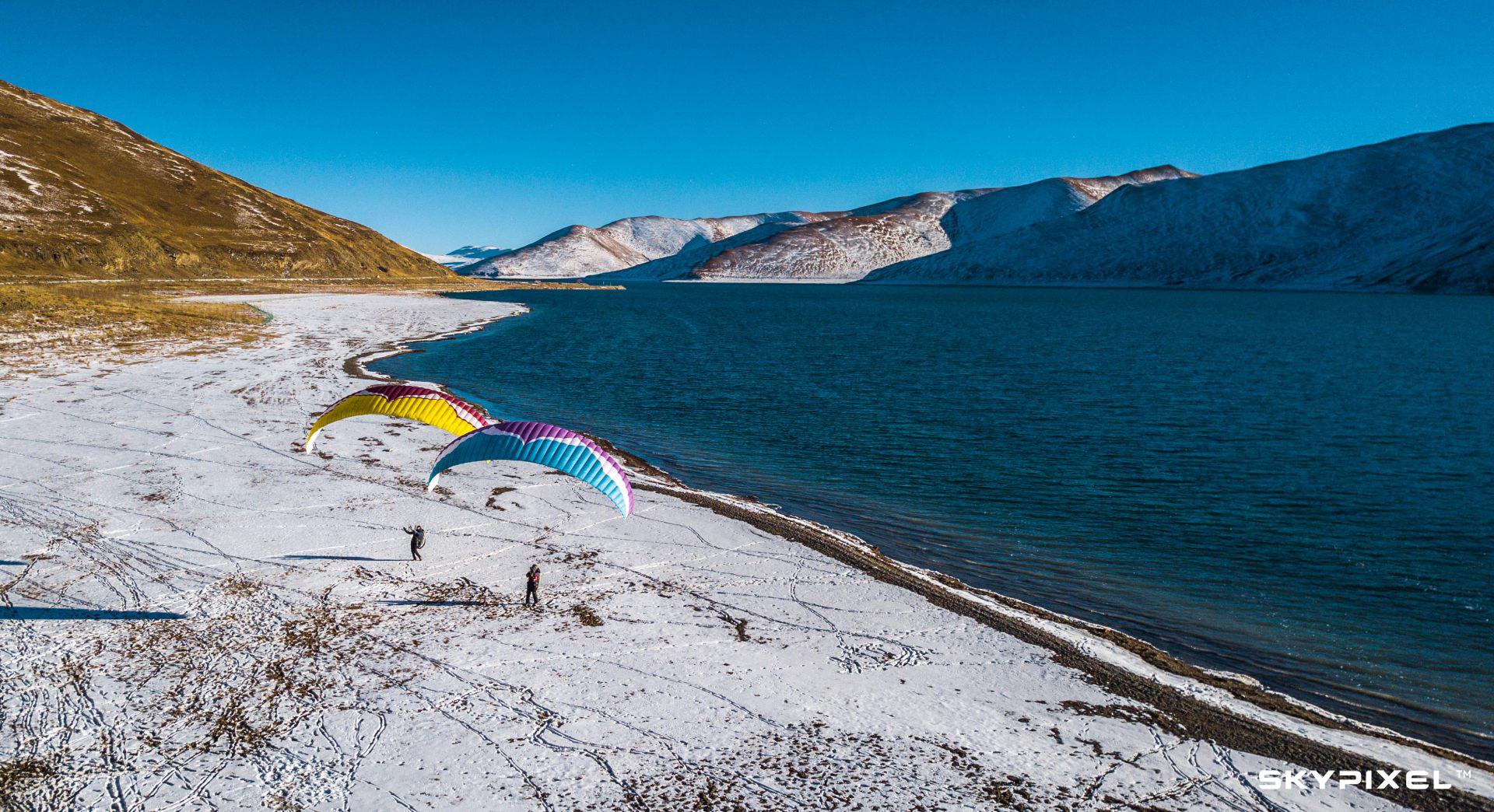 羊湖上空的猎风者.jpg